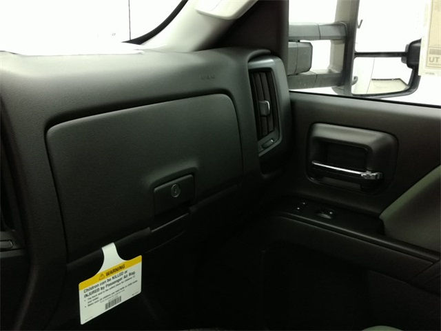 2016 Silverado 3500 Regular Cab 4x4, Reading Service Body #161373 - photo 14