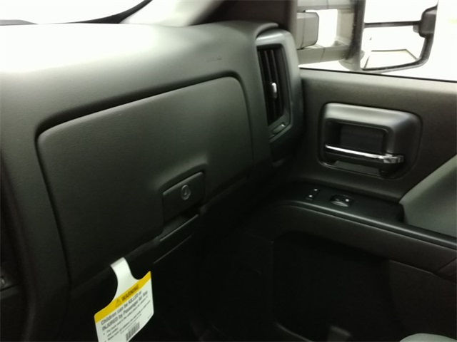 2017 Silverado 3500 Crew Cab 4x4, Pickup #170547 - photo 12