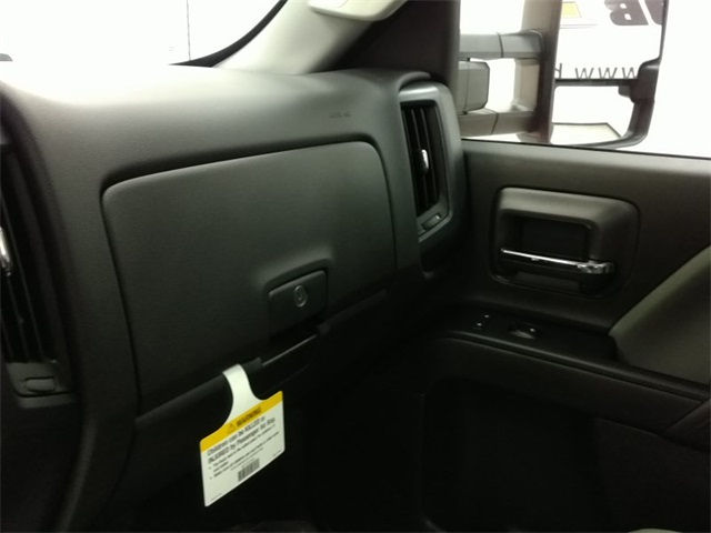 2017 Silverado 3500 Regular Cab 4x4, Cab Chassis #170672 - photo 12