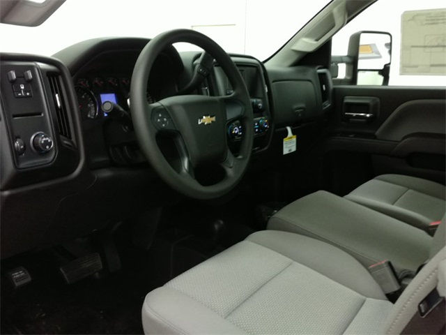 2017 Silverado 3500 Regular Cab 4x4, Cab Chassis #170672 - photo 9