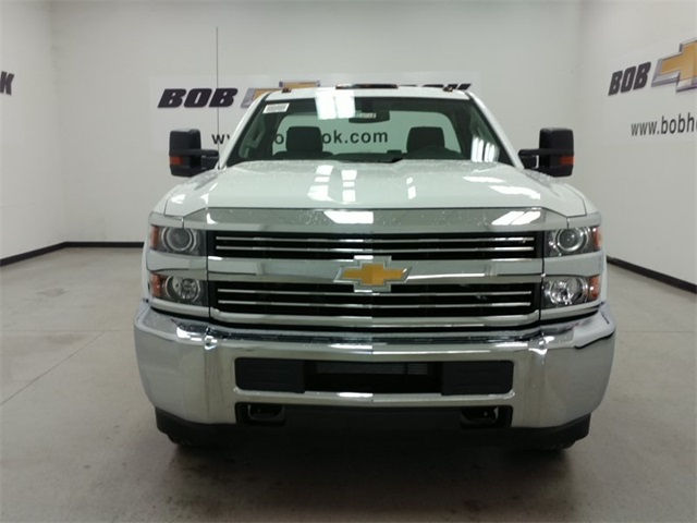 2017 Silverado 3500 Regular Cab 4x4, Cab Chassis #170743 - photo 6