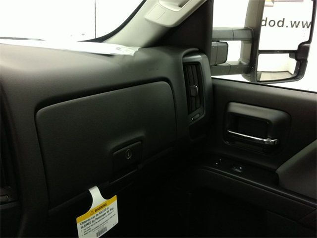 2017 Silverado 3500 Regular Cab, Cab Chassis #170758 - photo 12