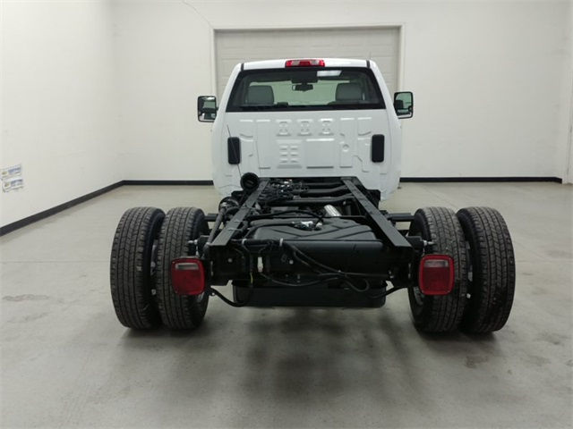 2017 Silverado 3500 Regular Cab, Cab Chassis #170758 - photo 3