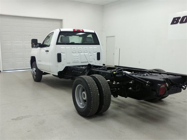2017 Silverado 3500 Regular Cab, Cab Chassis #170758 - photo 4