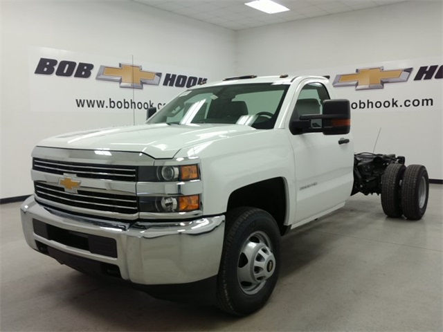 2017 Silverado 3500 Regular Cab, Cab Chassis #170758 - photo 5