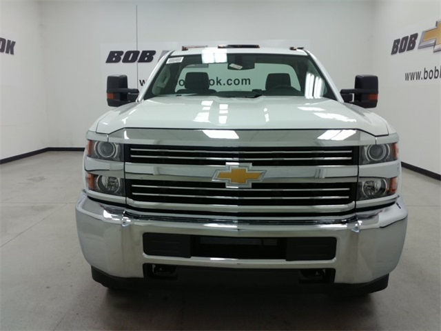 2017 Silverado 3500 Regular Cab, Cab Chassis #170758 - photo 6