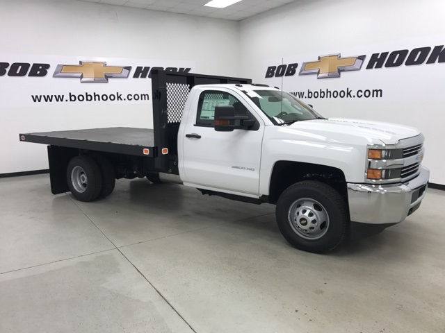 2017 Silverado 3500 Regular Cab DRW, Knapheide Platform Body #171033 - photo 4