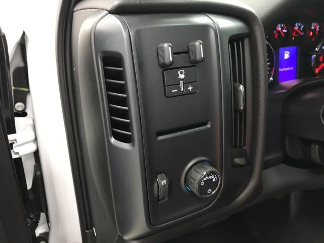 2017 Silverado 3500 Regular Cab DRW, Knapheide Platform Body #171033 - photo 19
