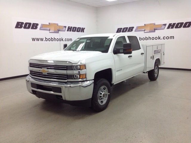 2017 Silverado 2500 Crew Cab 4x4, Reading Service Body #171042 - photo 7