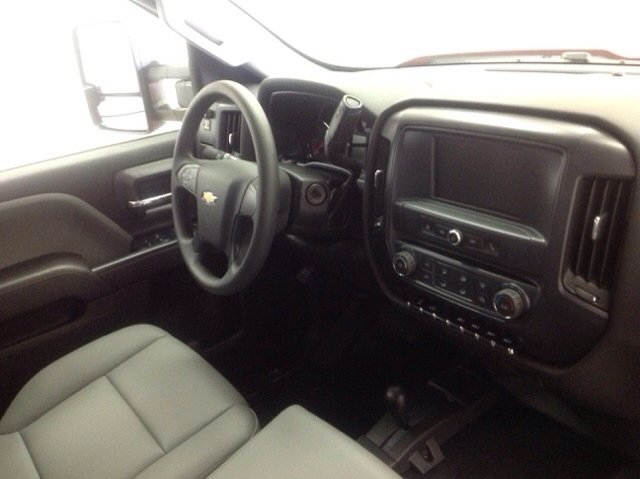 2017 Silverado 2500 Crew Cab 4x4, Reading Service Body #171043 - photo 10