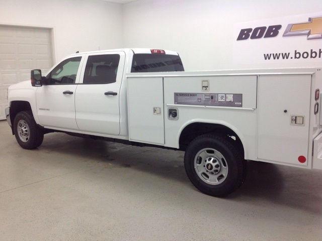 2017 Silverado 2500 Crew Cab 4x4, Reading Service Body #171044 - photo 4