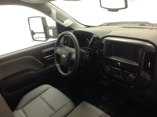 2017 Silverado 2500 Crew Cab 4x4, Reading Service Body #171044 - photo 16