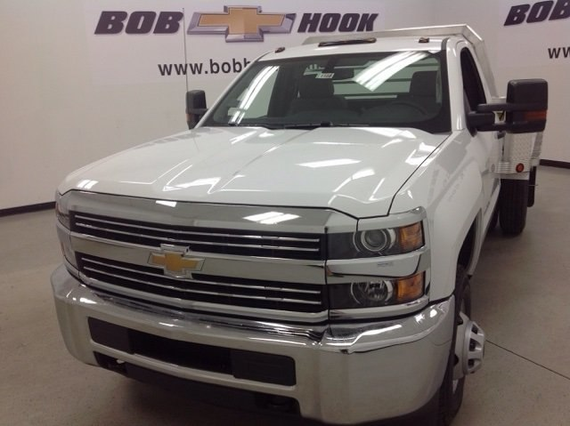 2017 Silverado 3500 Regular Cab DRW 4x4, Duramag Platform Body #171188 - photo 7
