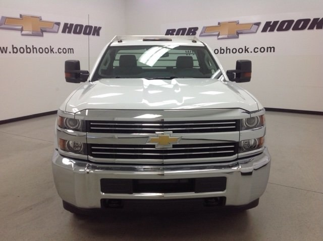 2017 Silverado 3500 Regular Cab DRW 4x4, Duramag Platform Body #171188 - photo 8