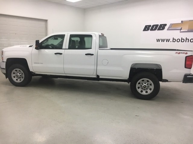 2017 Silverado 3500 Crew Cab 4x4 Pickup #171322 - photo 3