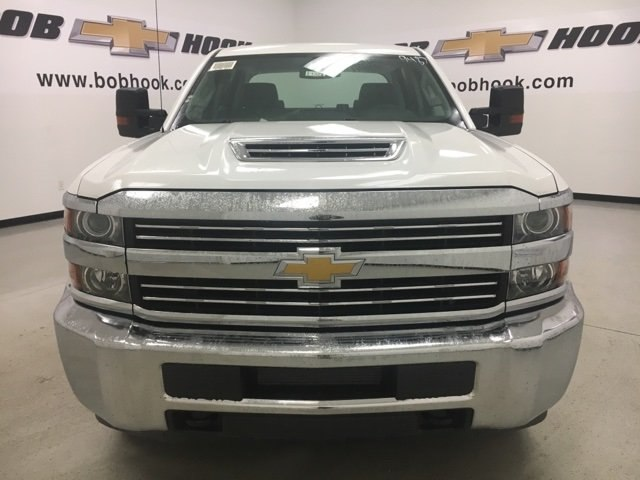 2017 Silverado 3500 Crew Cab 4x4 Pickup #171322 - photo 4