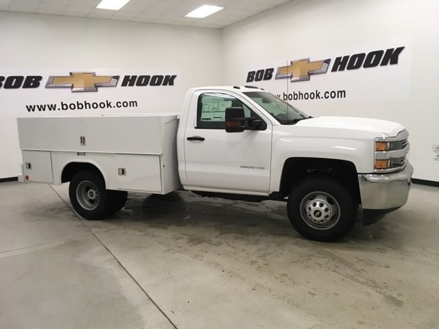 2017 Silverado 3500 Regular Cab DRW 4x4, Reading Service Body #171354 - photo 3