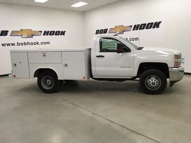 2017 Silverado 3500 Regular Cab DRW 4x4,  Reading Service Body #171354 - photo 20