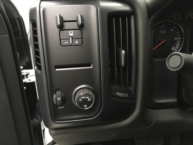 2018 Silverado 2500 Crew Cab 4x4, Reading Service Body #180142 - photo 17