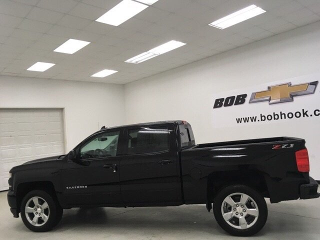 2018 Silverado 1500 Crew Cab 4x4 Pickup #180162 - photo 3
