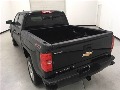 2018 Silverado 1500 Crew Cab 4x4, Pickup #180162 - photo 2