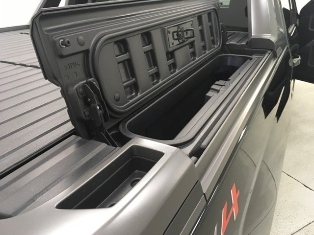 2018 Silverado 1500 Crew Cab 4x4, Pickup #180170 - photo 12