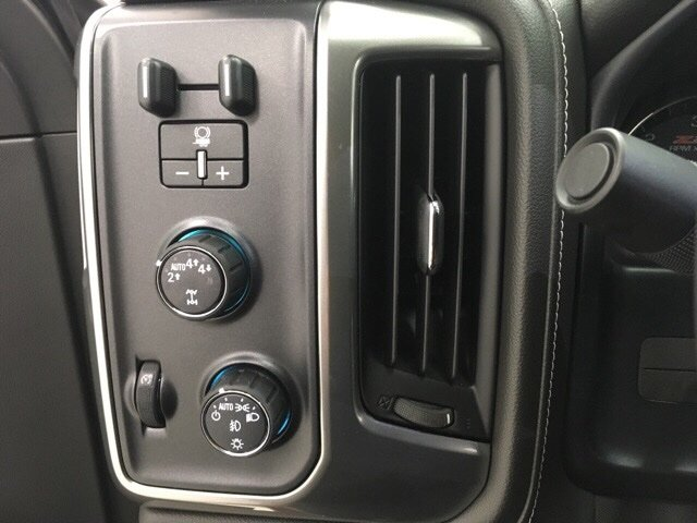 2018 Silverado 1500 Crew Cab 4x4, Pickup #180226 - photo 15