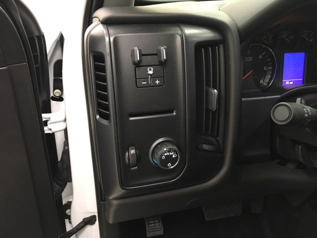 2018 Silverado 2500 Crew Cab 4x4, Reading Service Body #180238 - photo 10