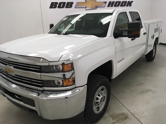 2018 Silverado 2500 Crew Cab 4x4, Reading Service Body #180238 - photo 6