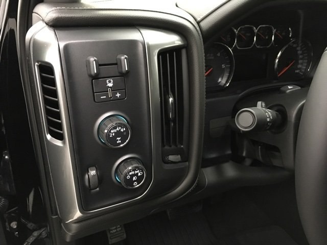 2018 Silverado 1500 Crew Cab 4x4 Pickup #180251 - photo 17