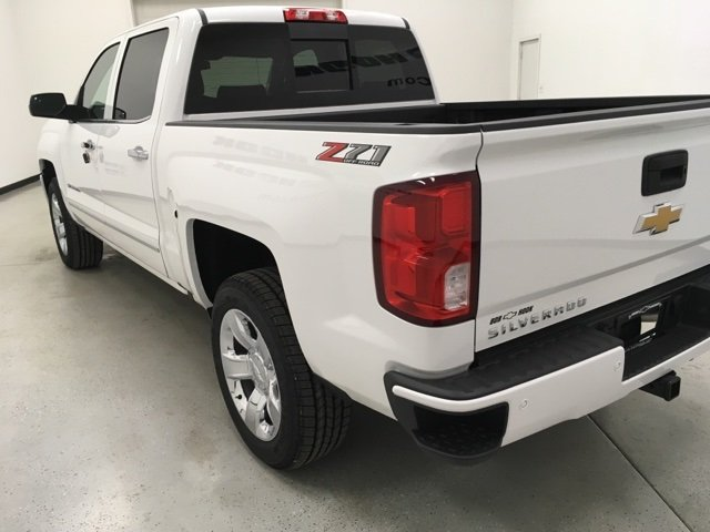 2018 Silverado 1500 Crew Cab 4x4 Pickup #180252 - photo 2