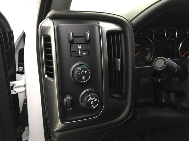 2018 Silverado 2500 Crew Cab 4x4 Pickup #180298 - photo 16