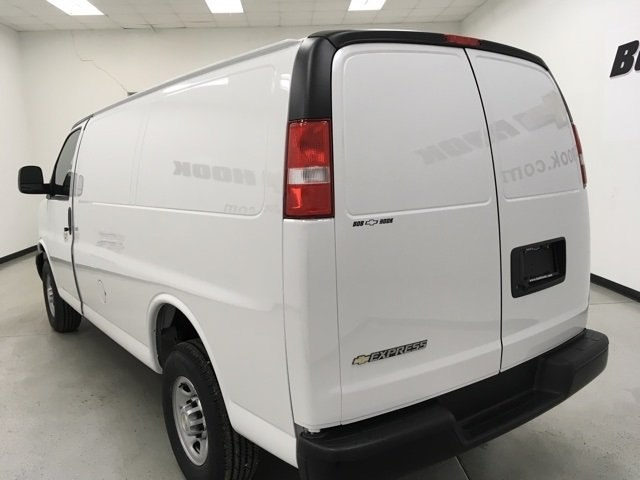 2018 Express 2500 Cargo Van #180301 - photo 7