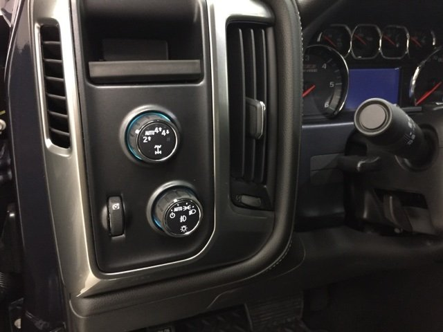 2018 Silverado 1500 Crew Cab 4x4 Pickup #180303 - photo 16