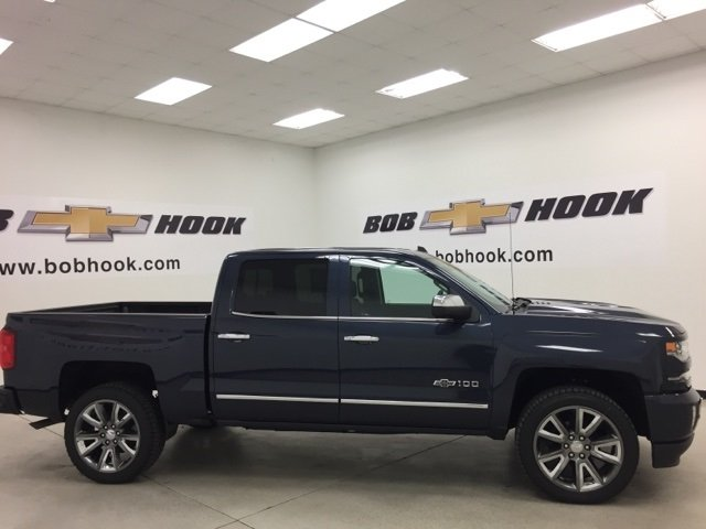2018 Silverado 1500 Crew Cab 4x4 Pickup #180303 - photo 3