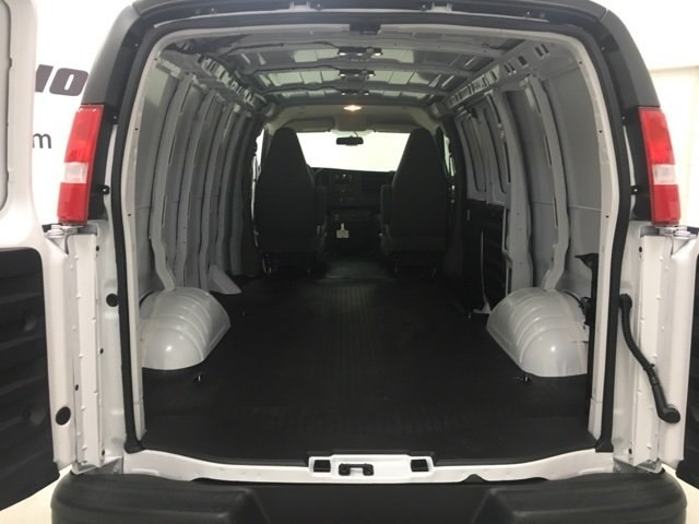 2018 Express 2500 Cargo Van #180307 - photo 2