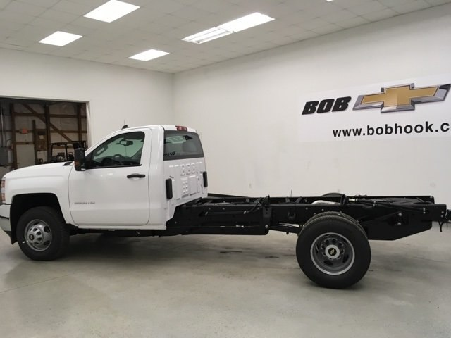 2018 Silverado 3500 Regular Cab DRW, Cab Chassis #180319 - photo 5