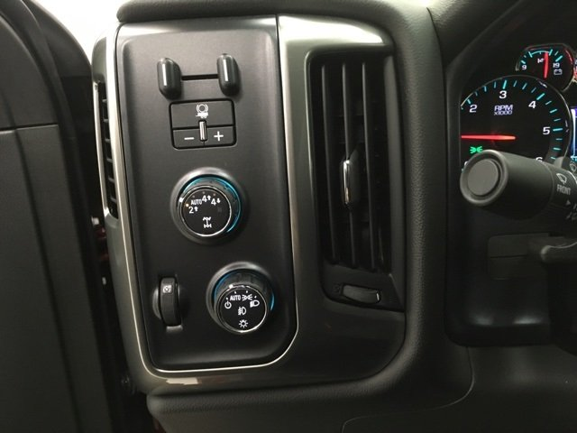 2018 Silverado 1500 Crew Cab 4x4 Pickup #180326 - photo 19