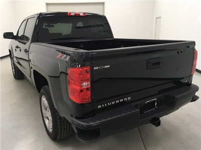 2018 Silverado 1500 Crew Cab 4x4, Pickup #180328 - photo 2