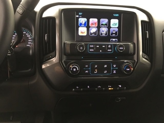 2018 Silverado 2500 Crew Cab 4x4 Pickup #180349 - photo 19