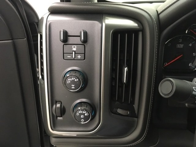 2018 Silverado 1500 Crew Cab 4x4, Pickup #180355 - photo 13