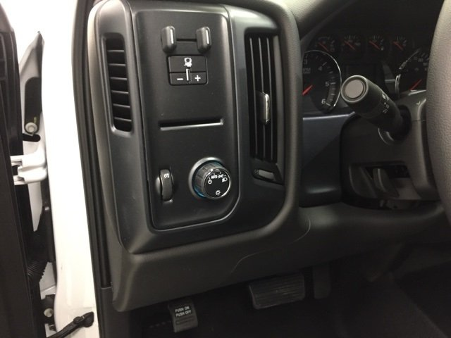 2018 Silverado 2500 Extended Cab Cab Chassis #180385 - photo 12