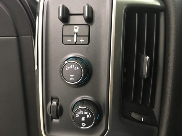 2018 Silverado 2500 Crew Cab 4x4, Pickup #180404 - photo 11