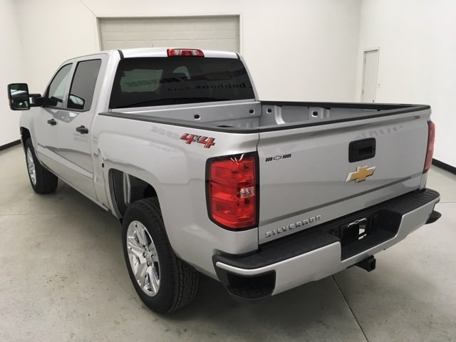 2018 Silverado 1500 Crew Cab 4x4, Pickup #180435 - photo 2
