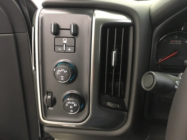 2018 Silverado 1500 Crew Cab 4x4,  Pickup #180437 - photo 11