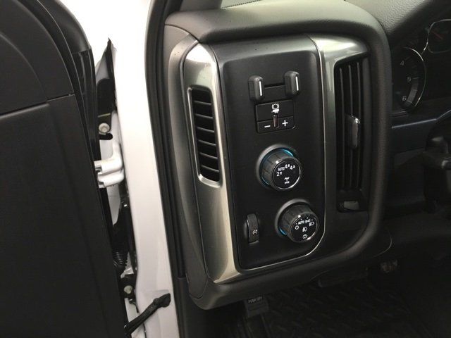 2018 Silverado 1500 Crew Cab 4x4, Pickup #180453 - photo 15