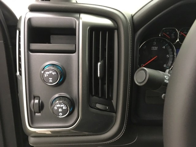 2018 Silverado 1500 Double Cab 4x4, Pickup #180485 - photo 12