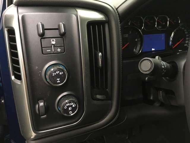 2018 Silverado 2500 Crew Cab 4x4 Pickup #180491 - photo 18