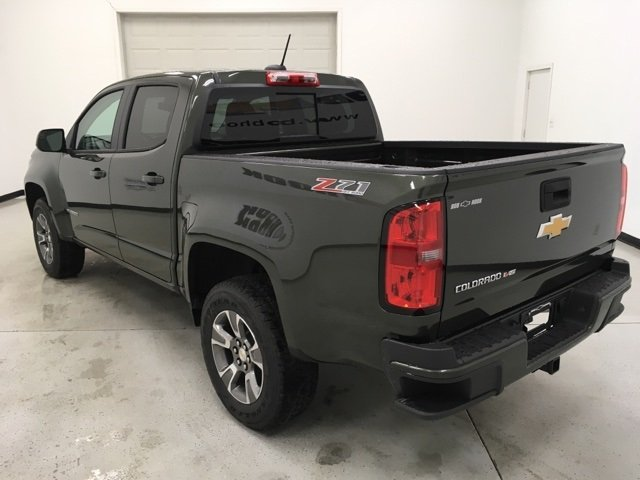 2018 Colorado Crew Cab 4x4, Pickup #180576 - photo 2