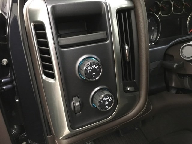 2018 Silverado 1500 Crew Cab 4x4, Pickup #180600 - photo 16